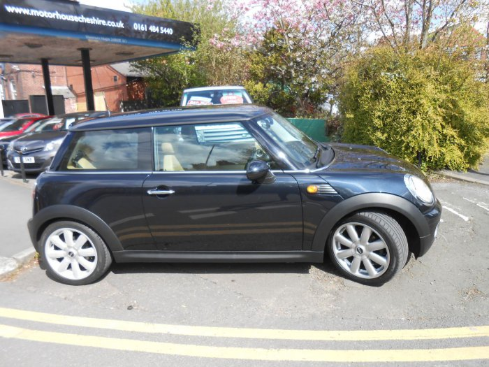 Mini Hatchback 1.6 Cooper 3dr Hatchback Petrol Black
