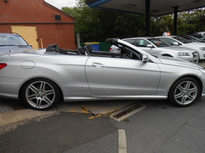 Mercedes-Benz E Class 2.1 E250 CDI BlueEFFICIENCY Sport 2dr Tip Auto Convertible Diesel Silver
