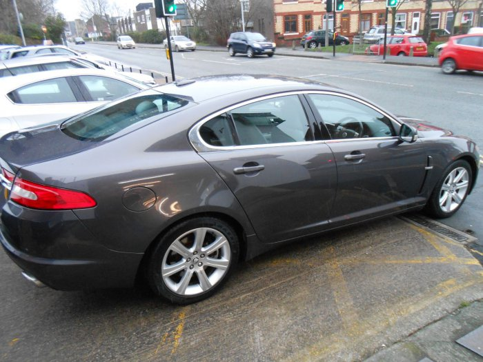 Jaguar XF 2.7d Luxury 4dr Auto Saloon Diesel Grey
