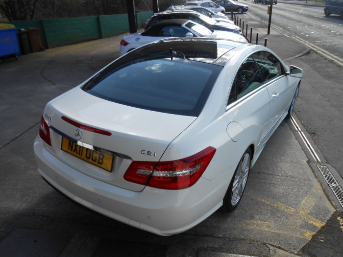 Mercedes-Benz E Class 2.1 E250 CDI BlueEFFICIENCY Sport 2dr Tip Auto Coupe Diesel White