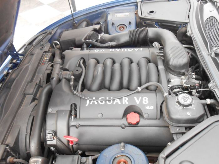 Jaguar Xk8 4.0 XK8 COUPE AUTO Sports Petrol Blue