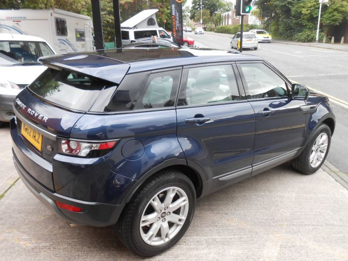 Land Rover Range Rover Evoque 2.2 SD4 Pure 5dr [Tech Pack] Estate Diesel Blue