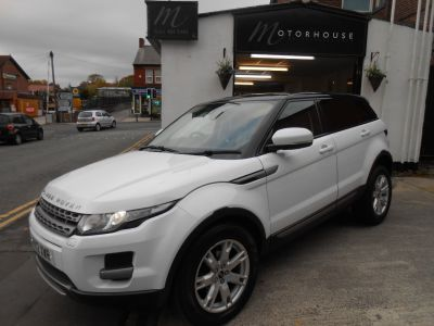 Land Rover Range Rover Evoque 2.2 SD4 Pure 5dr Auto [Tech Pack] Estate Diesel WhiteLand Rover Range Rover Evoque 2.2 SD4 Pure 5dr Auto [Tech Pack] Estate Diesel White at Motorhouse Cheshire Stockport