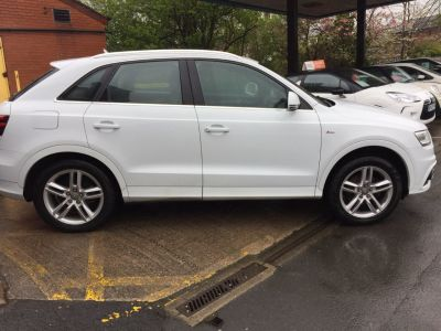 Audi Q3 2.0 TDI [177] Quattro S Line 5dr S Tronic Estate Diesel WhiteAudi Q3 2.0 TDI [177] Quattro S Line 5dr S Tronic Estate Diesel White at Motorhouse Cheshire Stockport
