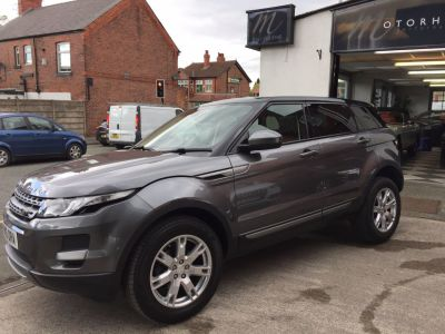Land Rover Range Rover Evoque 2.2 SD4 Pure 5dr [Tech Pack] Estate Diesel GreyLand Rover Range Rover Evoque 2.2 SD4 Pure 5dr [Tech Pack] Estate Diesel Grey at Motorhouse Cheshire Stockport