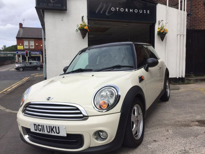 Mini Hatchback 1.6 One 3dr Hatchback Petrol White