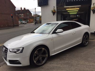 Audi A5 2.0 TDI 177 Black Edition 2dr Multitronic Coupe Diesel WhiteAudi A5 2.0 TDI 177 Black Edition 2dr Multitronic Coupe Diesel White at Motorhouse Cheshire Stockport