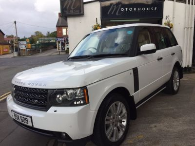 Land Rover Range Rover 4.4 TDV8 Vogue 4dr Auto Estate Diesel WhiteLand Rover Range Rover 4.4 TDV8 Vogue 4dr Auto Estate Diesel White at Motorhouse Cheshire Stockport