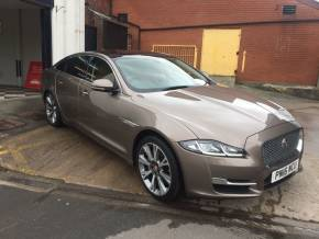 Jaguar Xj 3.0d V6 Premium Luxury 4dr Auto Saloon Diesel Quartzite Metallic at Motorhouse Cheshire Stockport