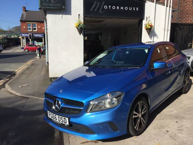 Mercedes-Benz A Class 1.6 A180 SE Executive 5dr Auto Hatchback Petrol Blue