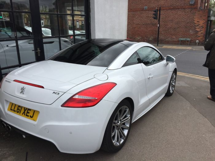 Peugeot RCZ 2.0 HDi Sport 2dr Coupe Diesel White