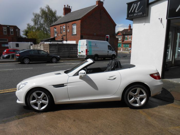 Mercedes-Benz SLK 1.8 200 BlueEFFICIENCY 2dr Tip Auto Convertible Petrol White
