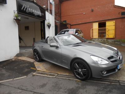 Mercedes-Benz SLK 1.8 200K 2dr Tip Auto Convertible Petrol SilverMercedes-Benz SLK 1.8 200K 2dr Tip Auto Convertible Petrol Silver at Motorhouse Cheshire Stockport