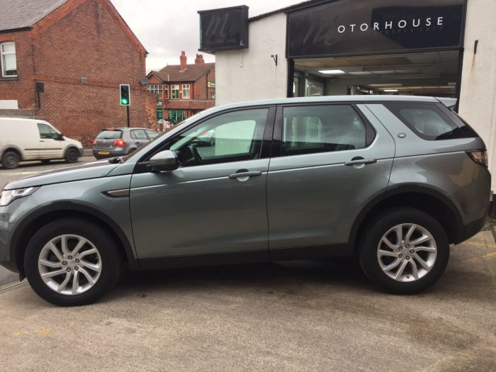 Land Rover Discovery Sport 2.0 TD4 180 SE Tech 5dr Estate Diesel Grey