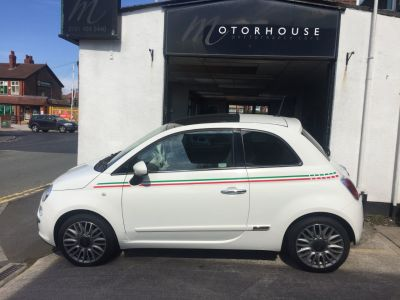 Fiat 500 1.2 Lounge 3dr [Start Stop] Hatchback Petrol WhiteFiat 500 1.2 Lounge 3dr [Start Stop] Hatchback Petrol White at Motorhouse Cheshire Stockport