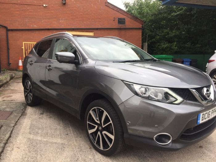 Nissan Qashqai 1.6 dCi Tekna [Non-Panoramic] 5dr Xtronic Hatchback Diesel Grey